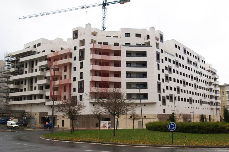 fachada del edificio zabalgana en vitoria