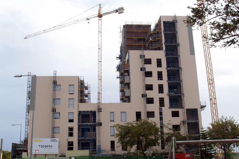 edificio en obras de fachada ventilada