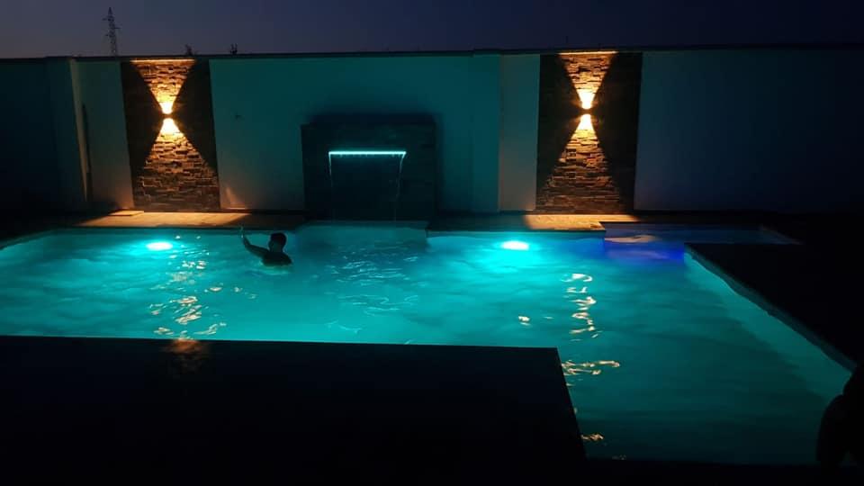 piscina-samara-noche