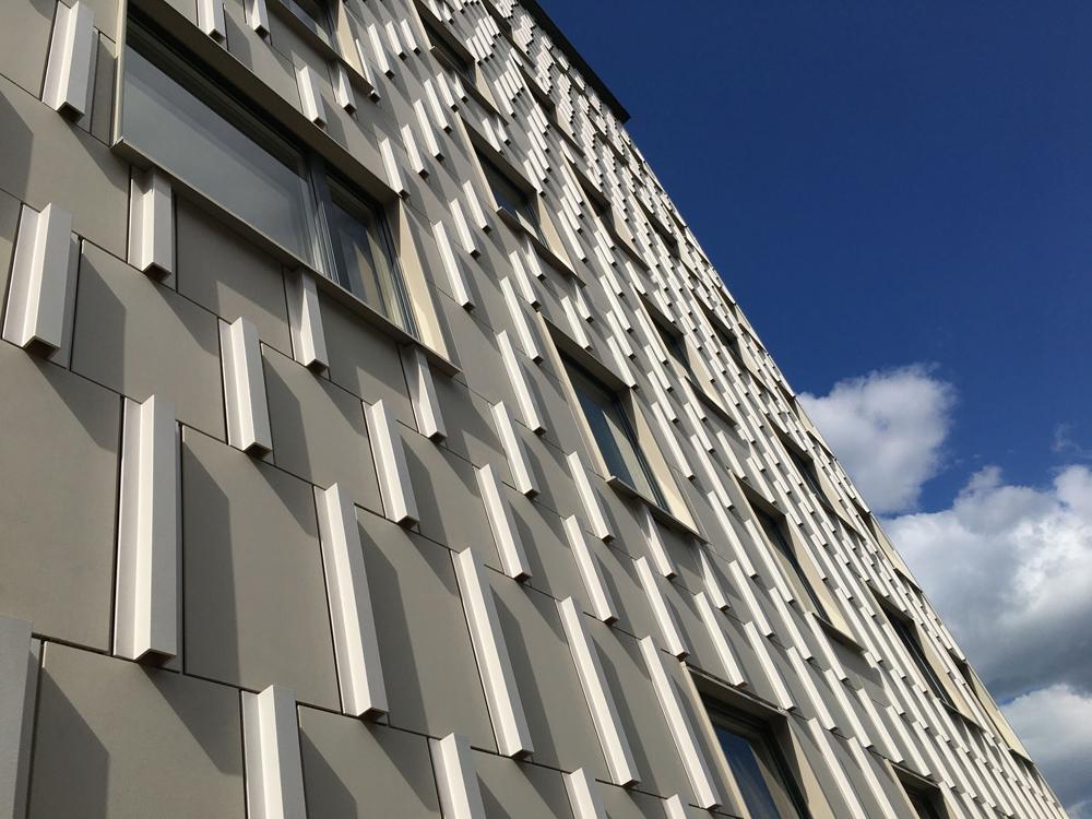 diseño de fachada ventilada cerámica estocolmo