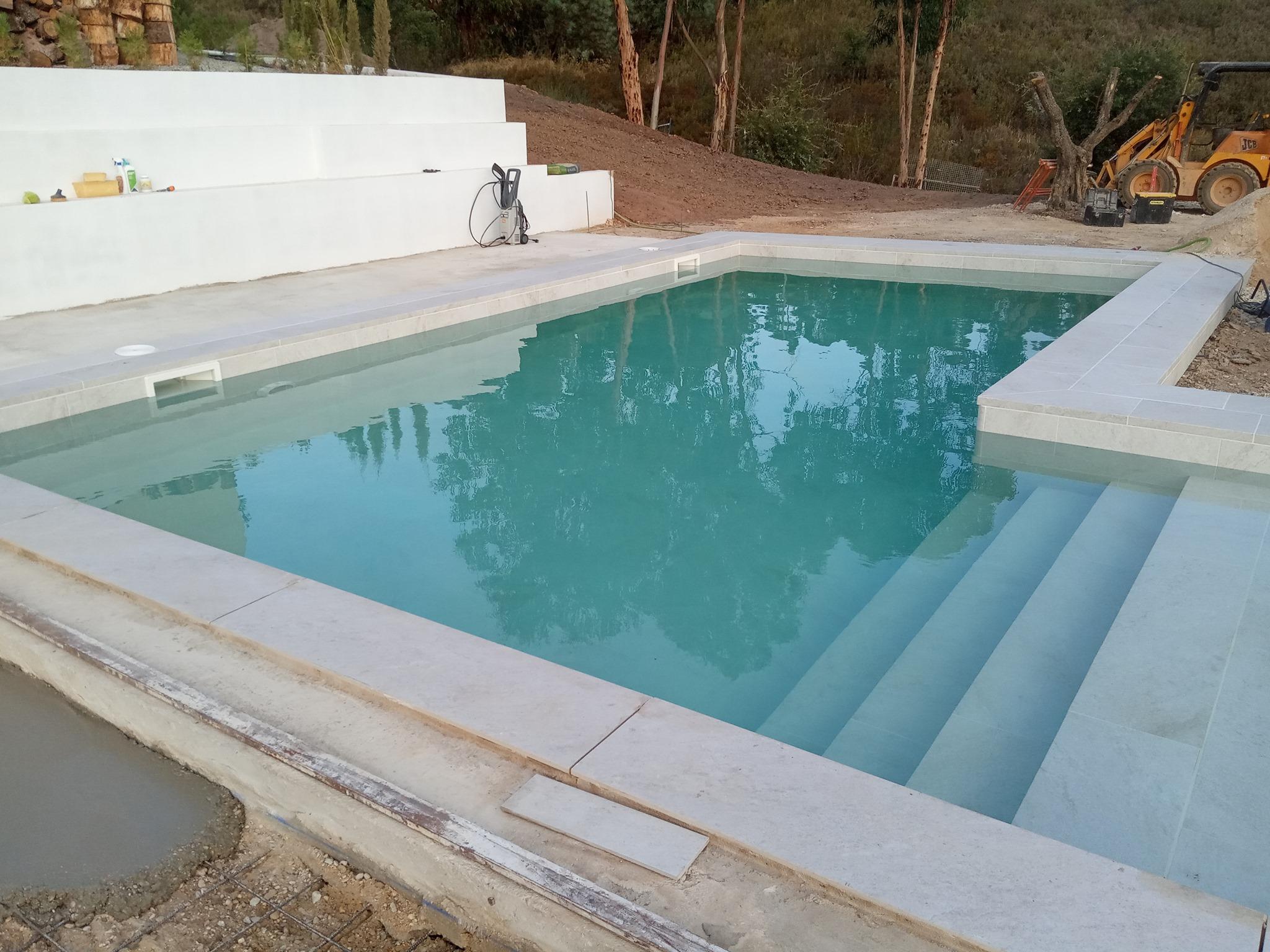 piscina de gres en ejecucion