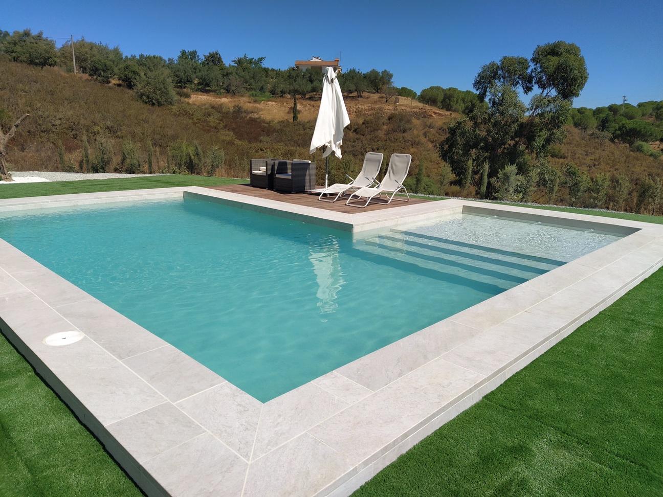 Plano general de la piscina ya terminada