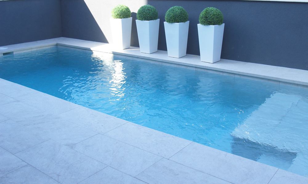 piscina de diseño ideal vivienda unifamiliar