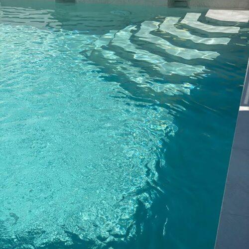 piscina gresmanc white stone