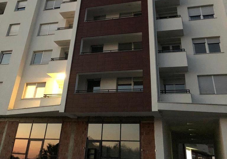 balcones de edificio rehabilitado con fachada ventilada favemanc.