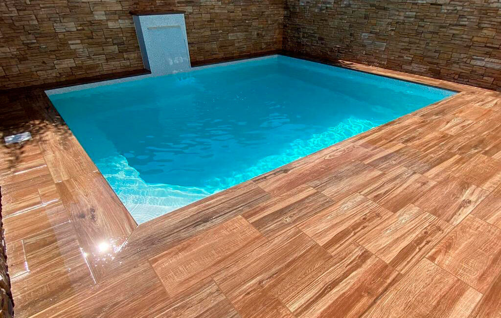 taiga madera piscina