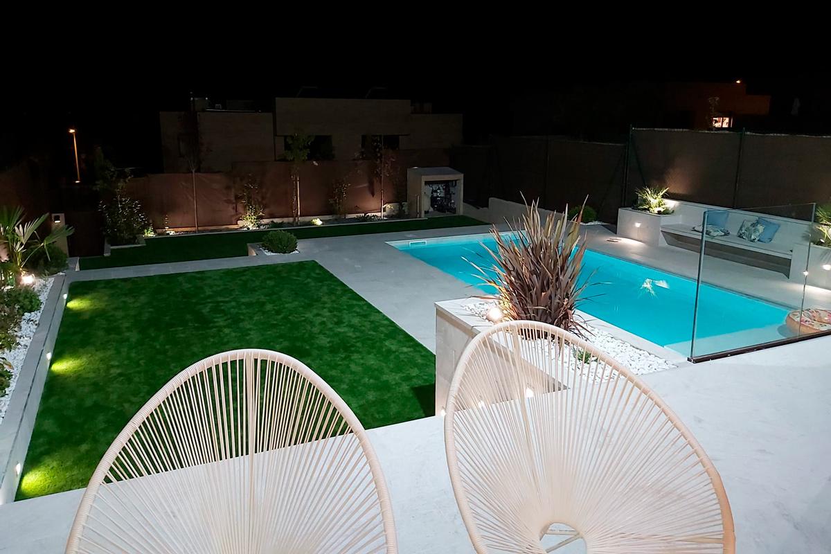 chalet piscina white stone